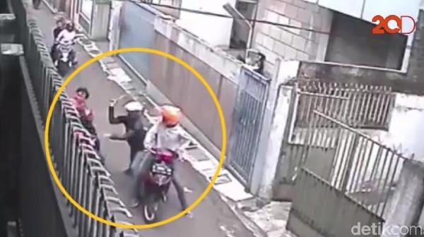 Ini Alasan Polisi Tidak Tembak Pelaku Pembacokan Brutal di Bandung