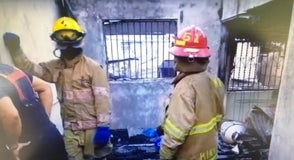 Mueren calcinadas dos personas al incendiarse su residencia en Hermanas Mirabal