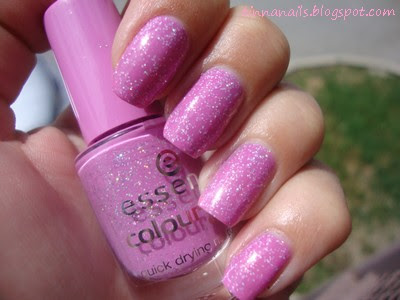 FRANKEN NAIL POLISH: HOLO BERRY & NEW STUFF & OUTFIT