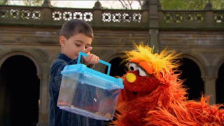 Murray What's the Word on the Street Insect, Sesame Street Episode 4410 Firefly Show season 44