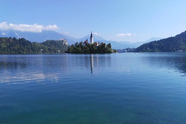lac bled reflets eau