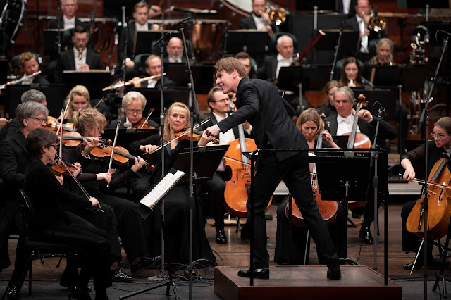 Oslo Philharmonic and Klaus Mäkelä (Photo Rune Bendiksen)