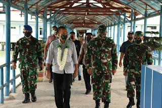 Dandim 0315/Bintan Dan Ketua Persit KCK Cabang LV Dim 0315 Sambut Kedatangan Rombongan Danrem 033/WP Di Tanjung Pinang