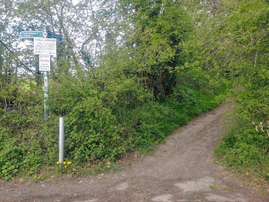 Bridleway 2 heading NW off bridleway 88 (point 5)