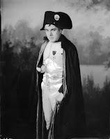 Чаплин в роли Наполеона - 4