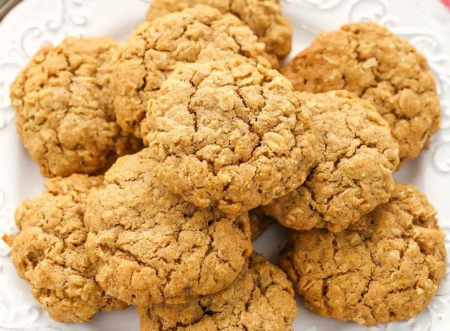 Pumpkin Oatmeal Cookies #desserts #cookies