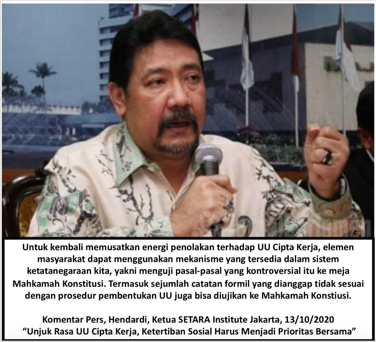 Hendardi selaku ketua SETARA Institute menyampaikan komentar pers Dalam Aksi Unjuk Rasa UU Cipta Kerja