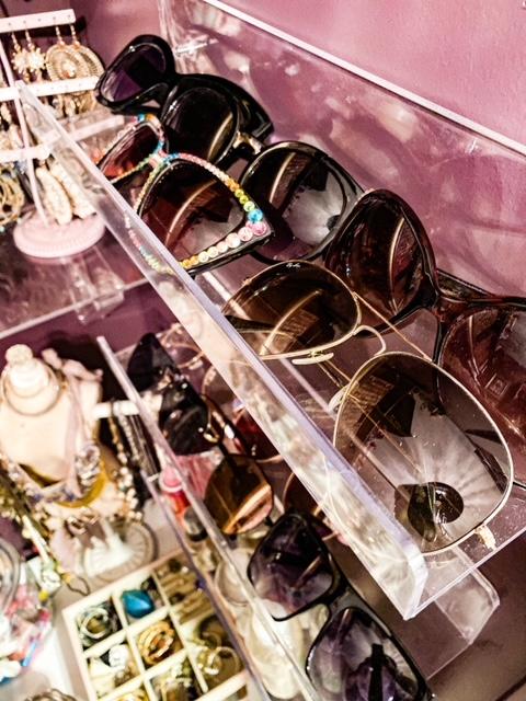acrylic sunglasses shelves