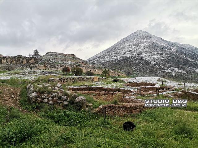Αργολίδα: Τα χιόνια κατέβηκαν μέχρι τις Μυκήνες
