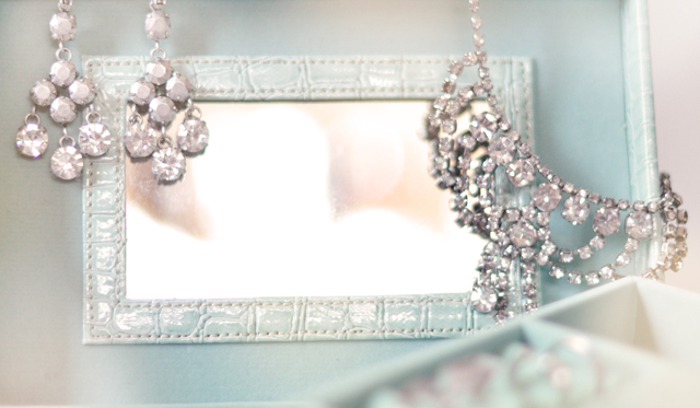 mint green crocodile jewelry box, jewels, diamonds, rings