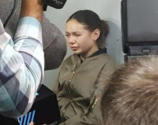 Η 20χρονη κληρονόμος που σκότωσε πέντε άτομα με τη Lexus της ξεσπά σε κλάματα στο δικαστήριο
