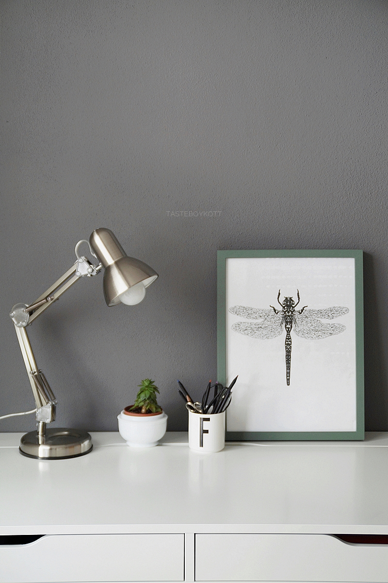 urban jungle succulent summer decoration in scandinavian modern white and dark grey office with diy dragon-fly print