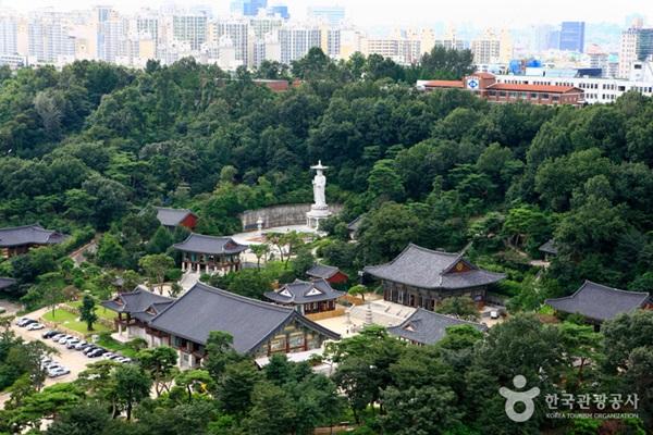 วัดบงอึนซา (Bongeunsa Temple: 봉은사)