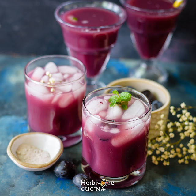 glasses with mixed fruit juice topped with ice