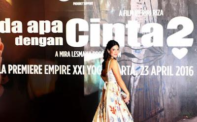 Antusias Para Fans Saat Melihat Para Pemain AADC 2 Di Yogyakarta