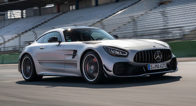 Mercedes AMG GT-R 2019 Review