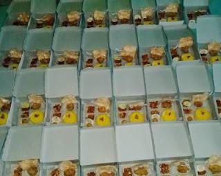 Nasi kotak kuning