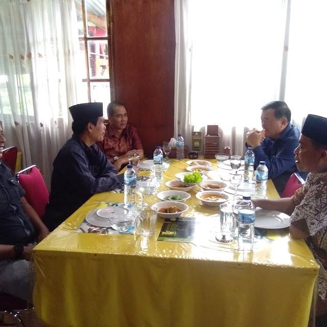 Wartawan Makan Siang Bersama Wabup Kuansing