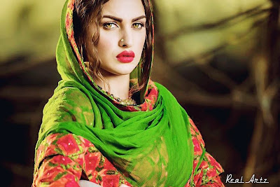 Latest Himanshi Khurana hd wallpapers images for free download. Most beautiful Indian model Actress Himanshi Khurana hd wallpapers images. Download Himanshi Khurana latest stylish pictures