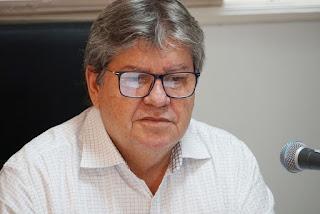 João Azevêdo faz apelo à população para continuar os cuidados contra a Covid-19 após novo recorde de mortes na Paraíba