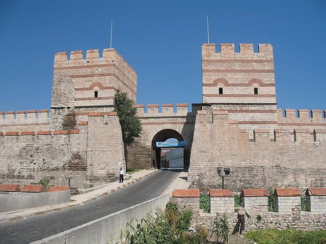 Theodosian Walls byzantium.filminspector.com