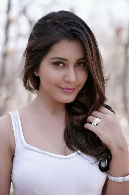 cute Indian model pic, charming Indian model pic, Hot Indian model pic