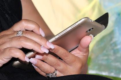 Bahaya Kecanduan Handphone