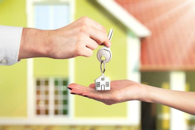 Make money doing house-sitting