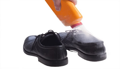 Penyebab bau kaki dan solusinya