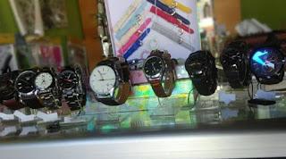 usaha service jam tangan