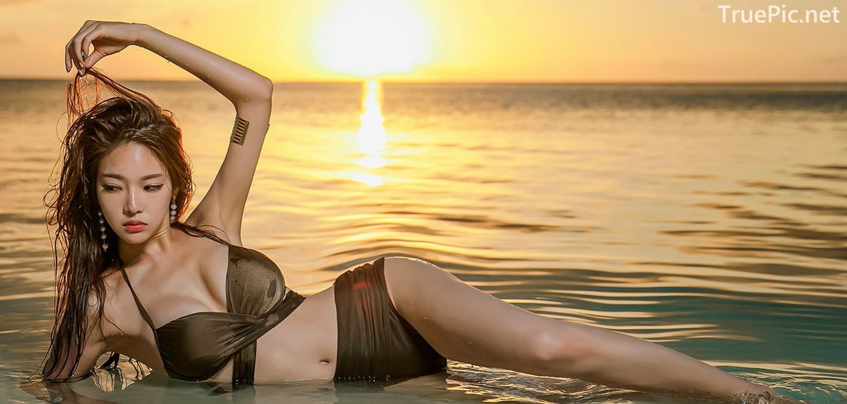 Park Jeong Yoon - Geullaemrouge Gold Bikini - Korean model and fashion - Picture 3