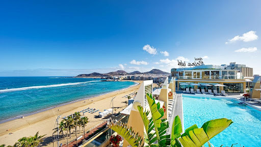 Where to Stay in Gran Canaria North or South?
