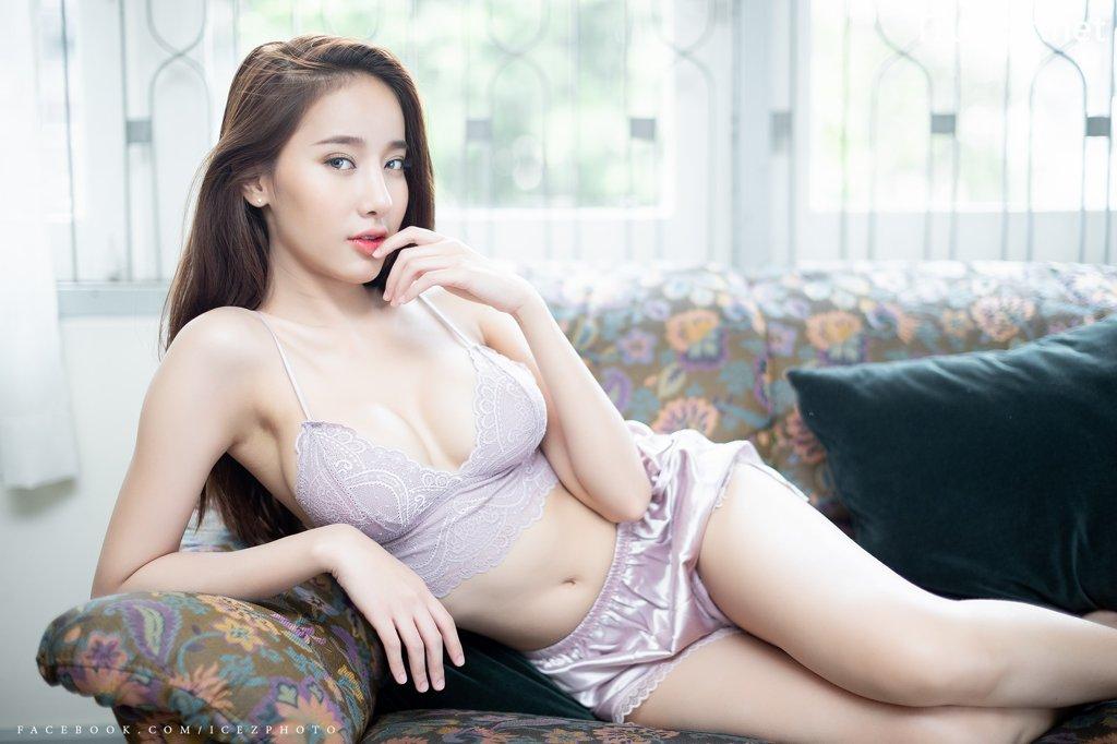 Image-Thailand-Hot-Model-Pichana-Yoosuk-Sexy-Purple-Bra-Shiny-Short-Pants-TruePic.net- Picture-5