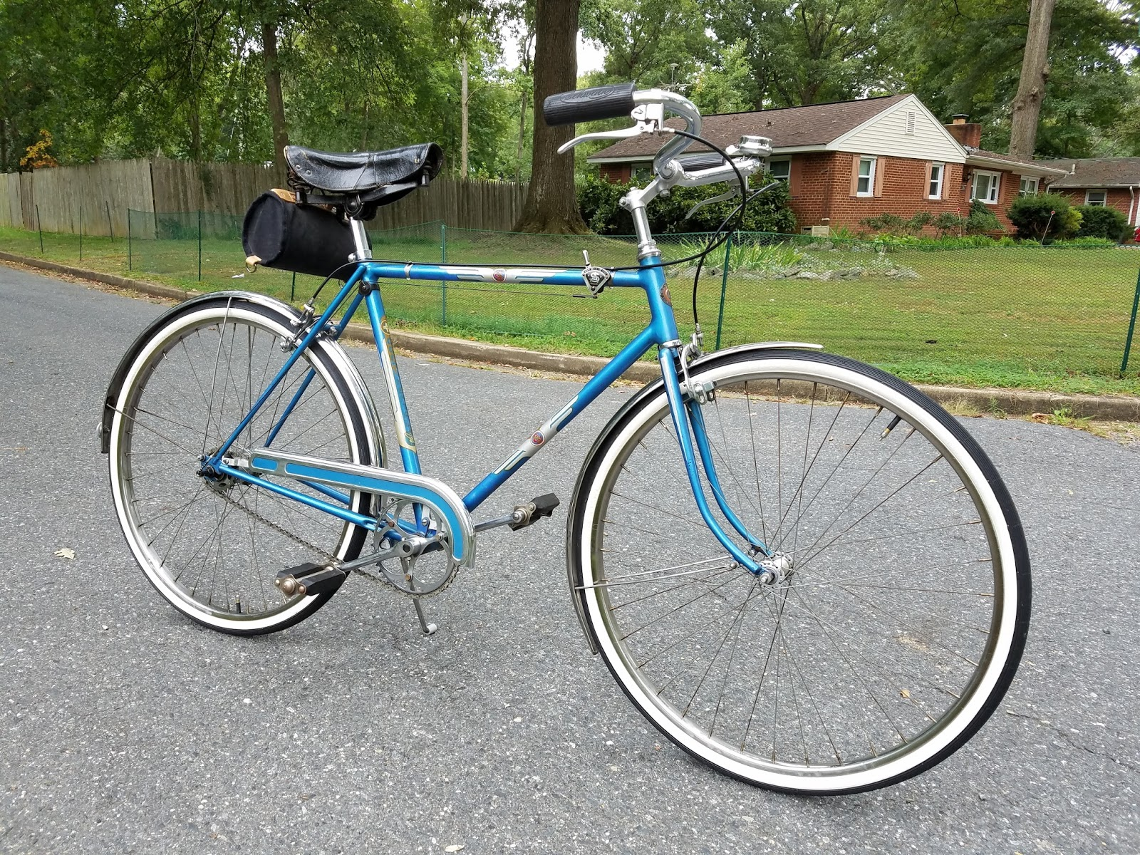 The Bike Shed: Schwinn Continental 3 Speed