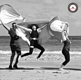 airyoga aeroyoga, columpio, comentarios, criticas, fly, flying, formacion, foros, gravity, profesores, teacher training, testimonios, trapeze, yoga aereo