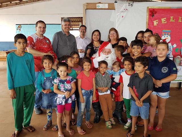 Prefeito Junqueira visita São Jorge, se reúne com a comunidade e anuncia melhorias