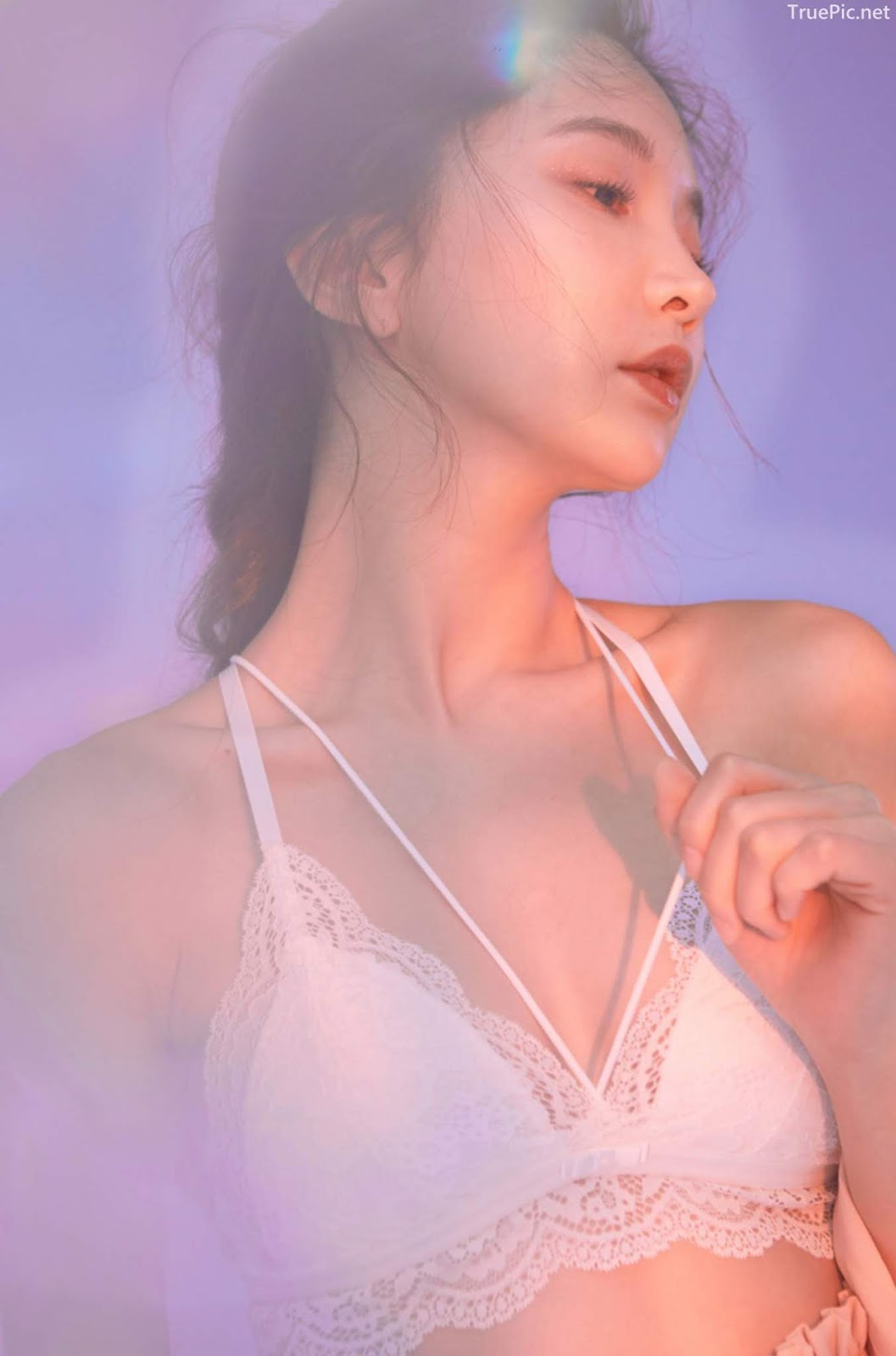 Korean model and fashion - Park Soo Yeon - Off-White Lavender and Salmon Pink Bra - Picture 7