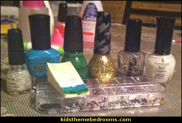 nail polish Kleancolor - L.A. Girl Disco Brites - Sinful Colors Professional nail polish - Nicole By Opi Nail polish- rhinestones