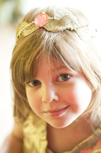 how to make a birthday crown from ric rac