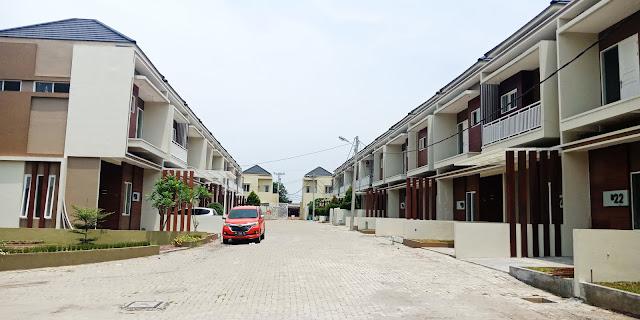 Row Karya Kasih Mansion rumah mewah, aman, tenang di tengah kota dekat Carrefour Padang Bulan Medan Sumatera Utara