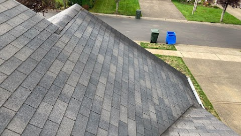4 Instances When You Can Benefit From A Total Roof Replacement