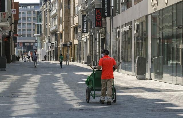 Hétfőtől bezárnak Belgiumban az éttermek és bárok, hamarosan elfogynak a szabad kórházi ágyak