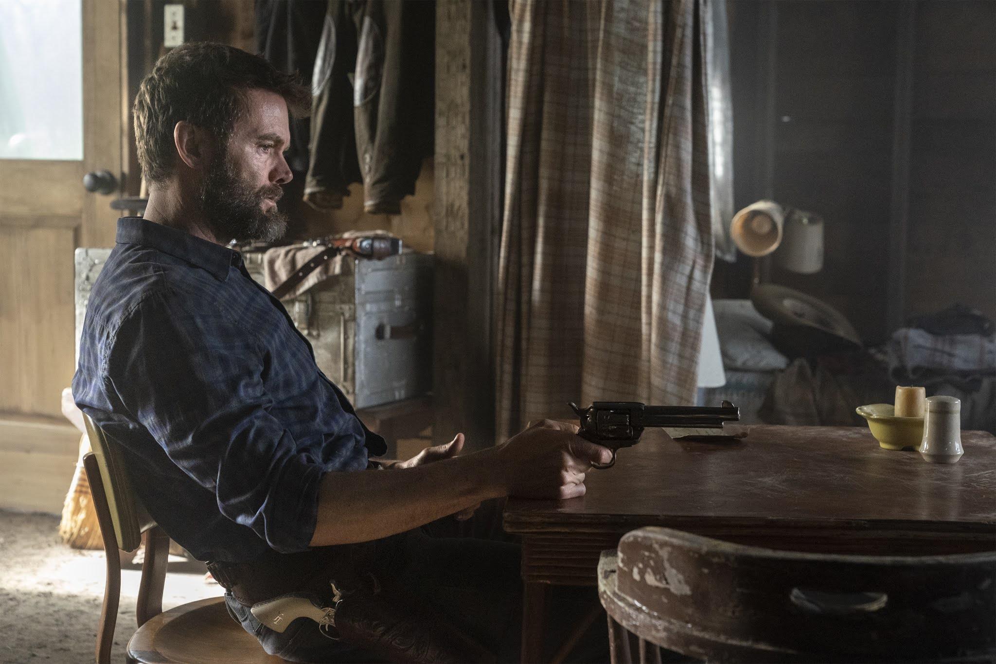 John Dorie valora el suicidio en Fear The Walking Dead