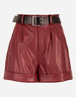 Looks com shorts vermelho