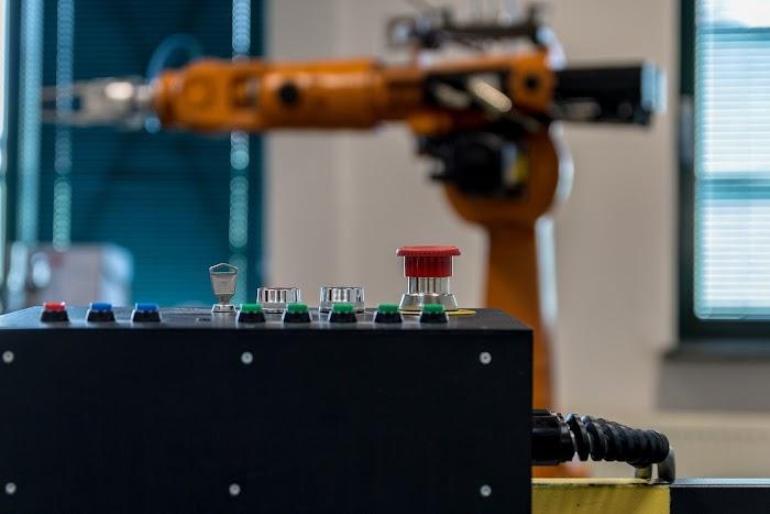 Robotlar 20 milyon fabrika işinin yerini alacak