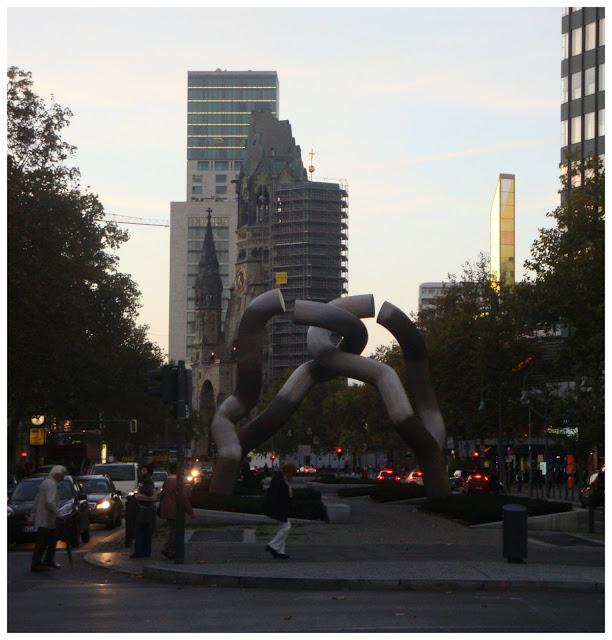 Escultura de nó - Berlin