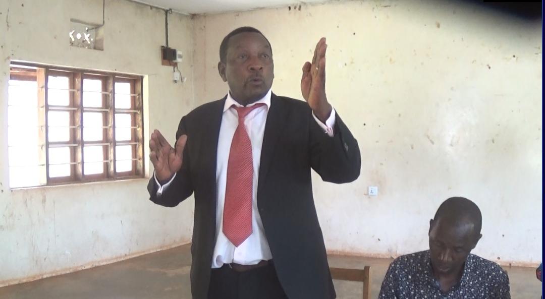 Makamu Mwenyekiti wa Shirika la TANUA lenye Makao makuu yake Arusha, Ndg Justiniani Kazunguru