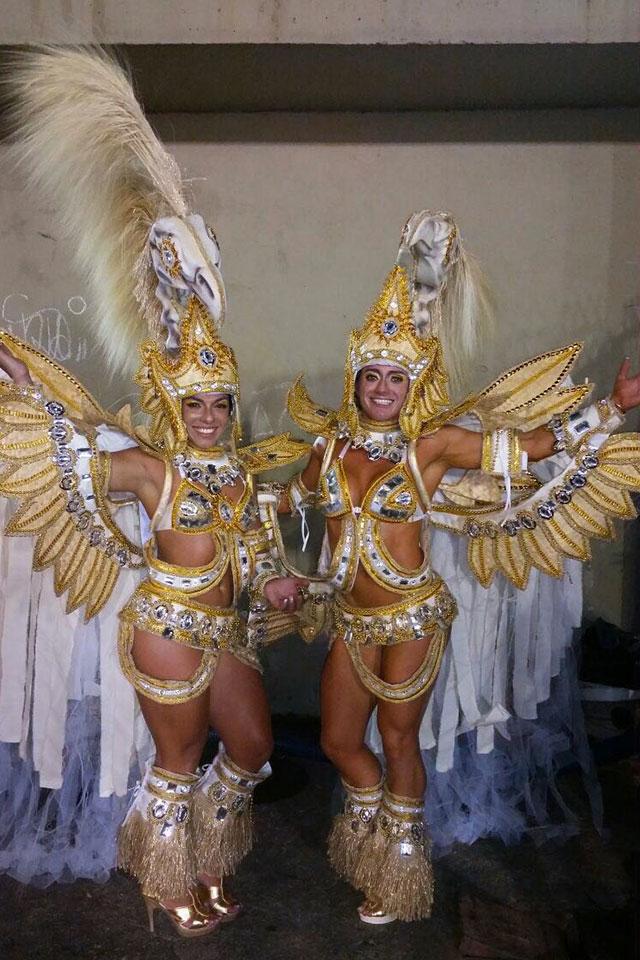 Atletas Carla Carra e Katiuska Glesse foram destaque do abre-alas da Vila Isabel. Foto: Arquivo pessoal