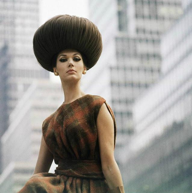 1962. Simone D'Aillencourt by Horst P. Horst