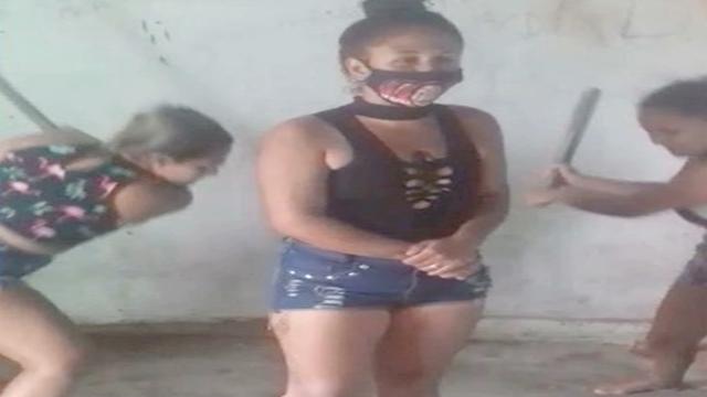 Mulheres são presas suspeitas de torturar outras mulheres, na Paraíba